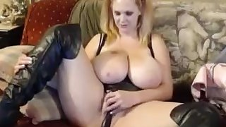 Huge Boobs Blonde Milf