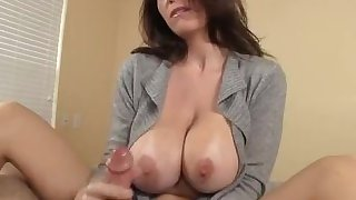 Awesome MILF Handjob